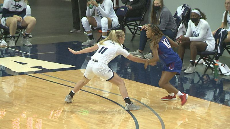 Nevada guard Kenna Holt had 3 steals and 6 assists in the Wolf Pack's 66-65 win