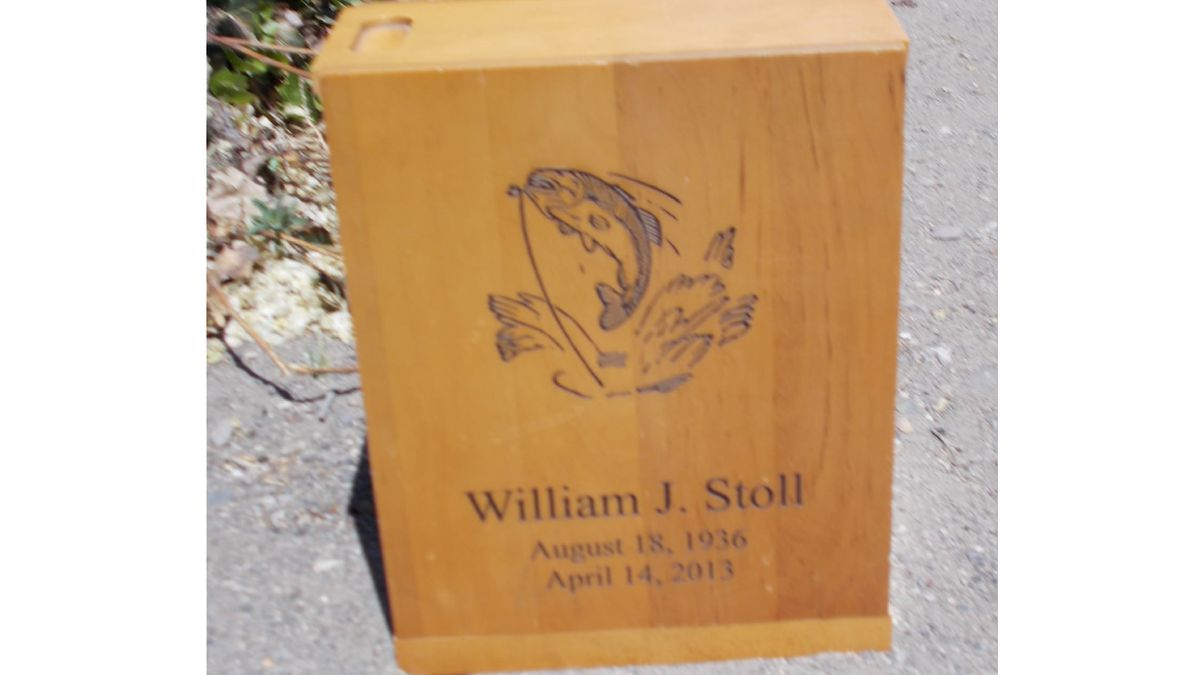 The Lyon County Sheriff's Office is looking for the owner of an urn found in someone's driveway...