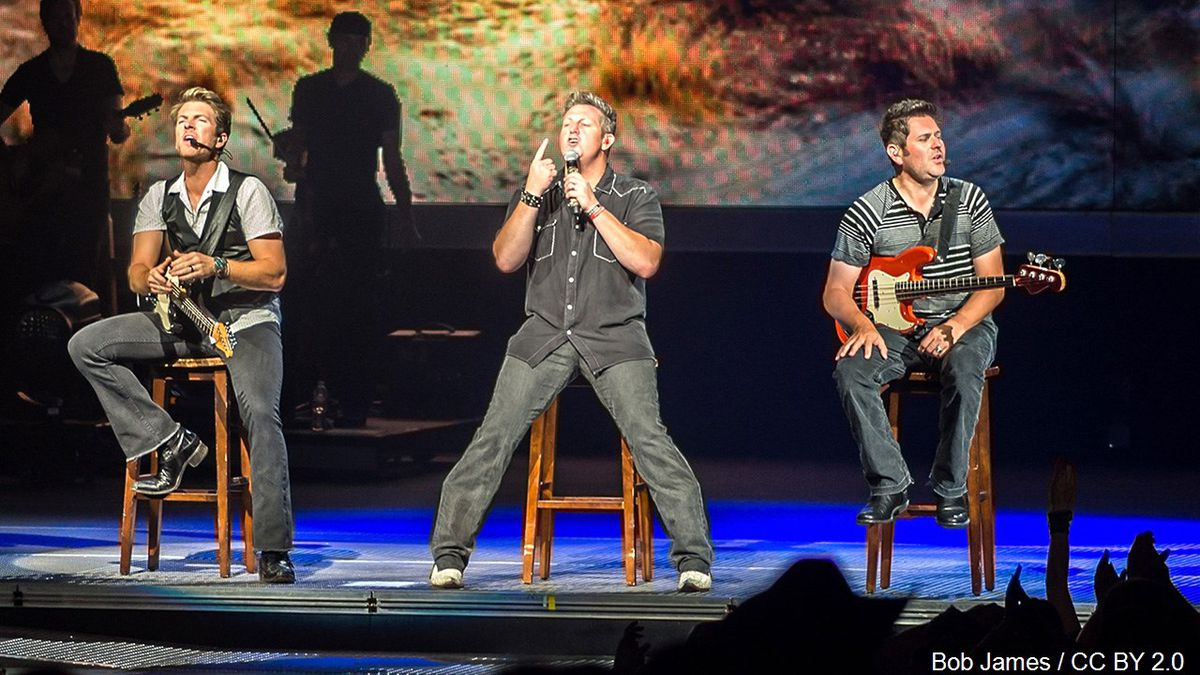 Rascal Flatts, American country music trio. It is composed of Gary LeVox, Jay DeMarcus and Joe Don Rooney., Photo Date: September 2013 Photo: Bob James / CC BY 2.0