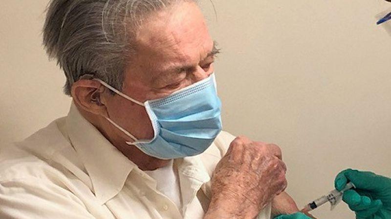 88 year old Lorimer Hill a Veteran receives COVID Vaccine.