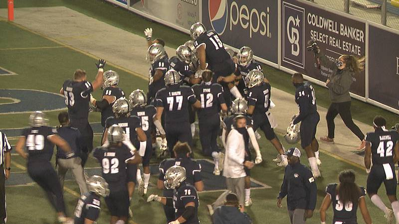 Romeo Doubs walks the Wolf Pack off in overtime with a 9-yard reception from Carson Strong