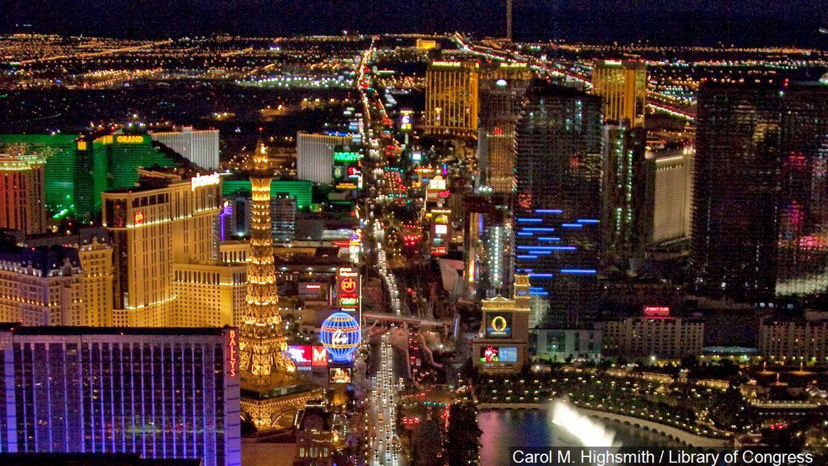 Panoramic photo of the Las Vegas Strip at night, Photo Date: 7/9/2009