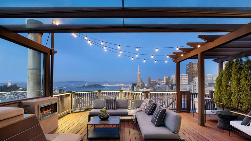 Mesmerizing city views of Golden Gate Bridge, Coit Tower, Transamerica Pyramid, Salesforce...