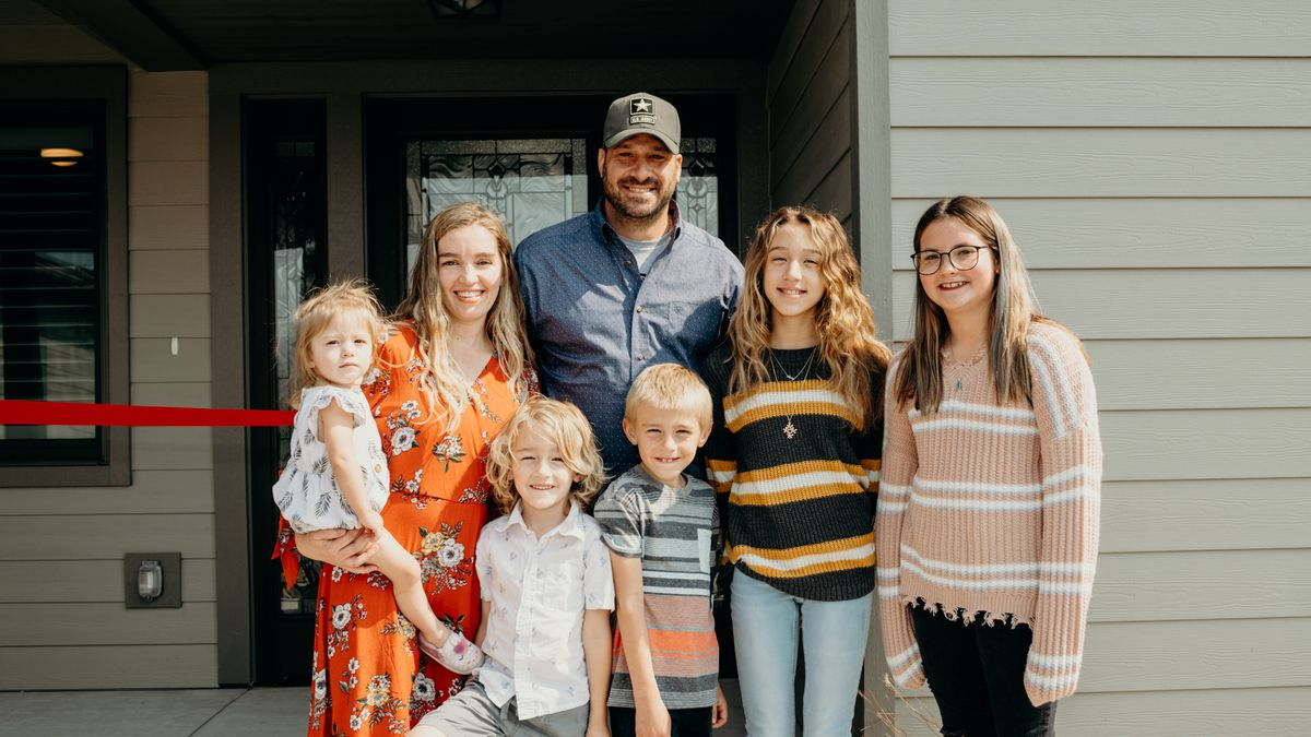 A Local Veteran and His Family Receive Dream Home