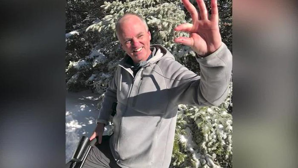 A man's quest to find his wedding ring on a 4,000-foot snow-covered mountain in New Hampshire has been completed by a couple of hikers — and a metal detector. (Source: WCVB/CNN)