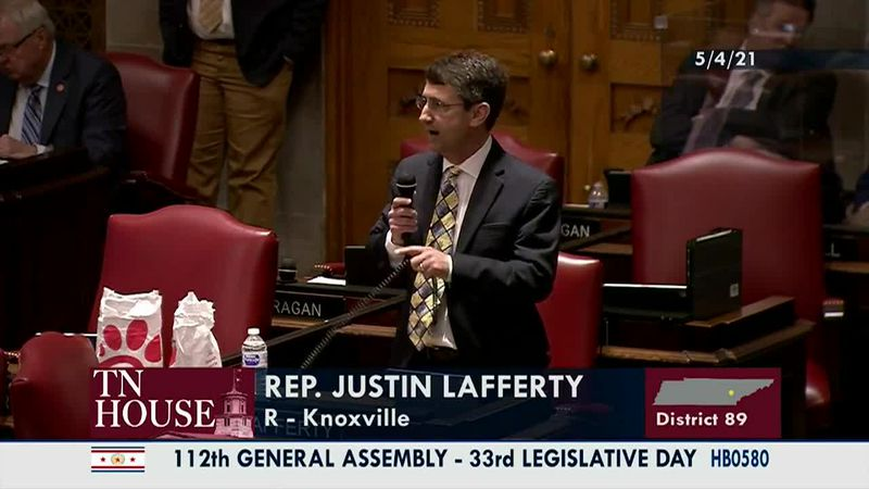 """A Tennessee lawmaker's explanation about the """"3/5th Compromise"""" is drawing attacks. (Source:..."""