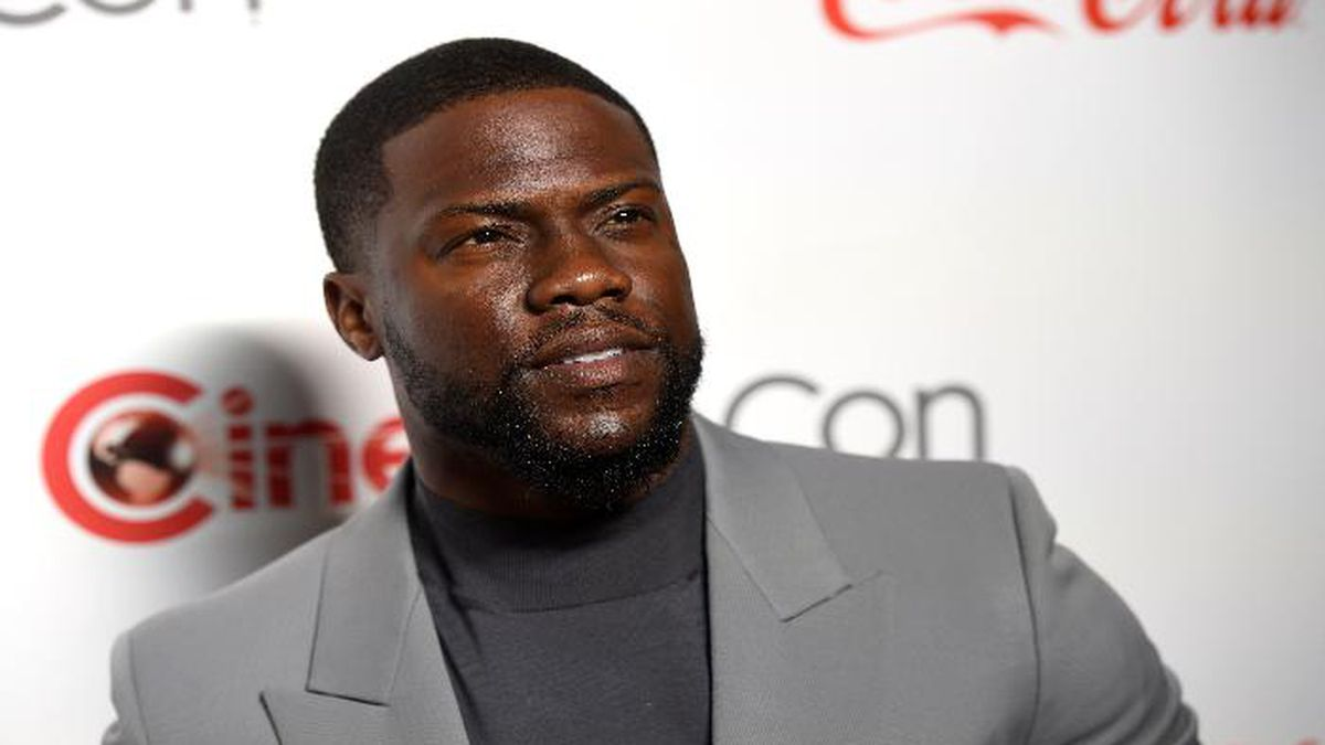 Kevin Hart, recipient of the CinemaCon international star of the year award, poses at the Big Screen Achievement Awards at Caesars Palace on Thursday, April 4, 2019, in Las Vegas. (Photo by Chris Pizzello/Invision/AP)