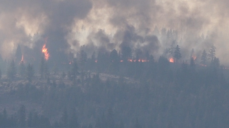 Doyle, CA residents react to evacuation warnings due to Beckwourth Complex Fire