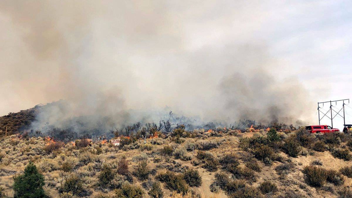 There is a fire on Duck Hill north of Carson City. Photo by Rebecca Kitchen/KOLO.